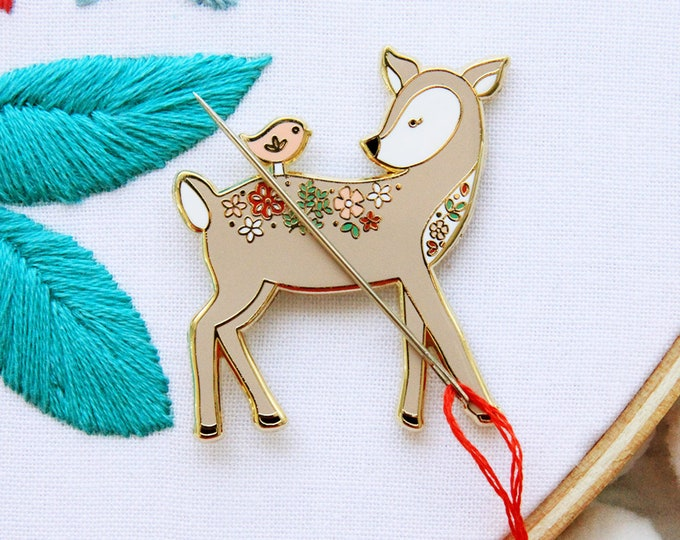 Floral Woodland Deer - Magnetic Embroidery Needle Minder