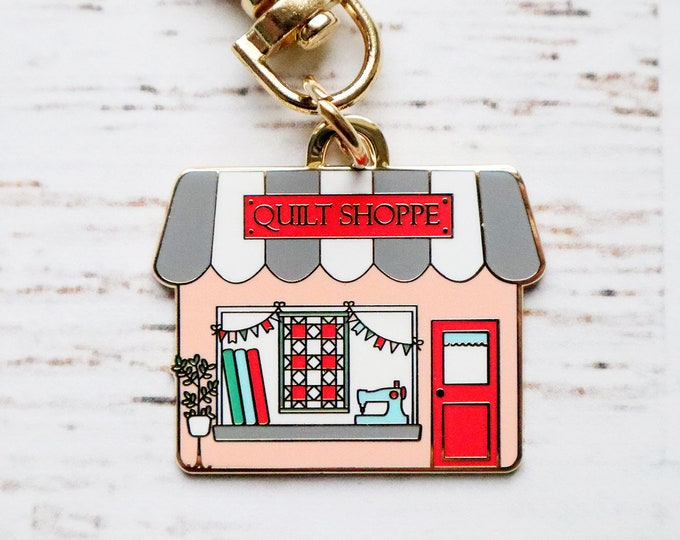 Quilt Shoppe Main Street Enamel Charm