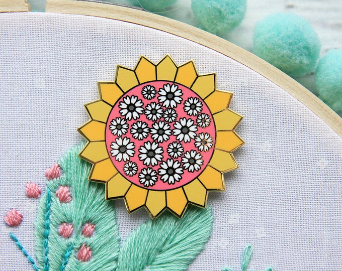 Daisy Dresden Sun - Magnetic Embroidery Needle Minder