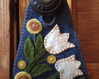 Folk Art Tulip Door Hanger Kit