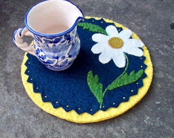Daisy Candle Mat