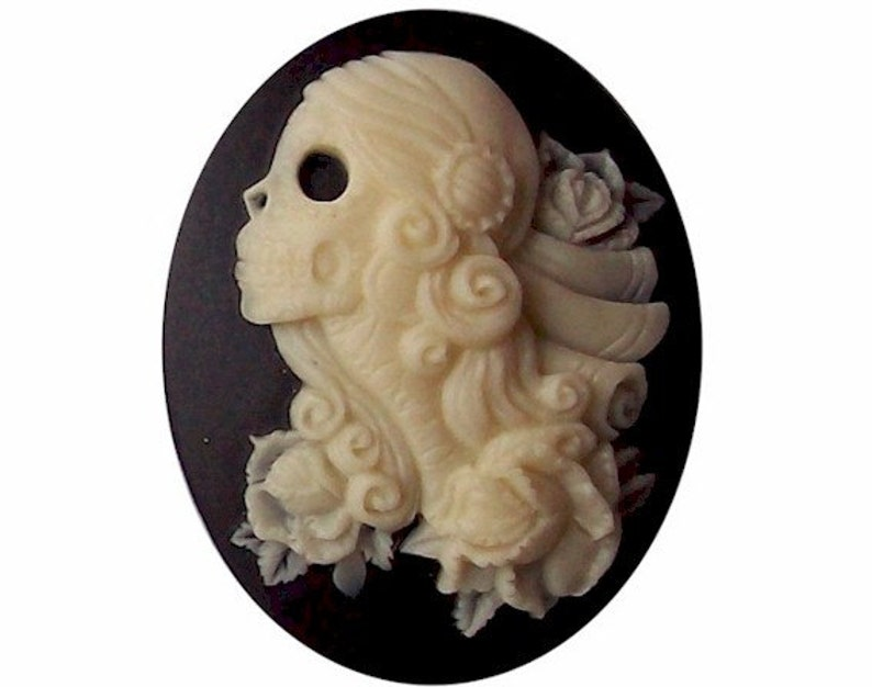 molded skull cameo cabachon 40x30 Gothic witchcraft occult image 0