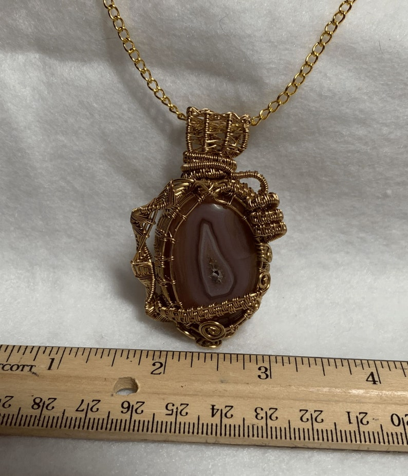 with 26 in Gold Plated Chain. Faux Gold Wire 100/% Natural Nanhong Agate Geode Pendant Faux Gold Wire 82.75 ct