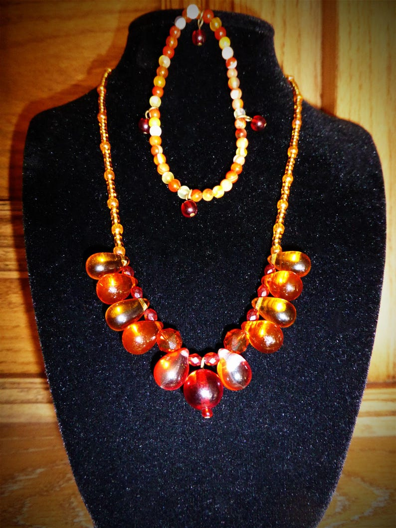 Orange Carnelian Gemstone Bead Bracelet /& Matching Glass Bead Necklace