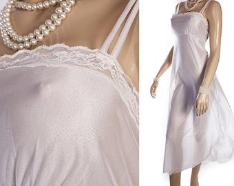 ce077cdd415688 Romantische schimmernde seidige weiche schiere weiße Nylon und zarte Spitze  Kanten Detail 1970 Vintage ärmellose lange Nachthemd - PL2286
