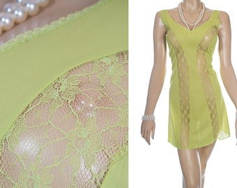 Vibrant eye catching sheer silky soft citrus green nylon and delicate see through lace detail 1970's vintage full slip petticoat - PL1908