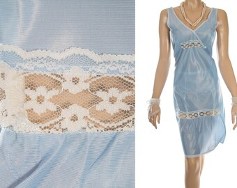 Glossy satin look silky soft pretty porcelain blue nylon and delicate white floral lace detail 80's vintage full slip petticoat - PL1900