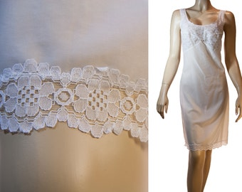 Adorable XL Gunther ivory white glossy silky soft nylon and delicate matching inset lace detail 1970's vintage full slip underskirt - PL1009