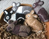 Primitive Folkart One Hooked Rug Rabbit Ornament/ Bowl Filler Rue23paris Farmhouse Decor