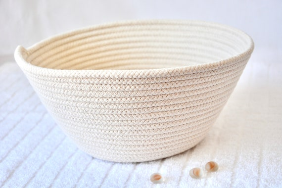 "Bread Proofing Basket, 9"" Farmhouse Banneton Bowl, USA Handmade, Brotform Dough Rising Bowl, Rustic Sourdough Baking Basket, Baker's Gift"