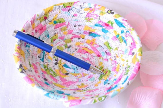 Cute Ring Dish Basket, Handmade Pretty Pink Bowl, Candy Dish, Hostess Gift Basket, Coiled Rope Basket, Quilted Bowl, Party Favor