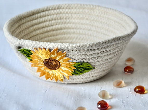 Sunflower Rope Bowl, Handmade Minimalist Basket, Key Basket, Trinket Holder, Candy Dish, Farmhouse Chic Ring Dish, Desk Accessory