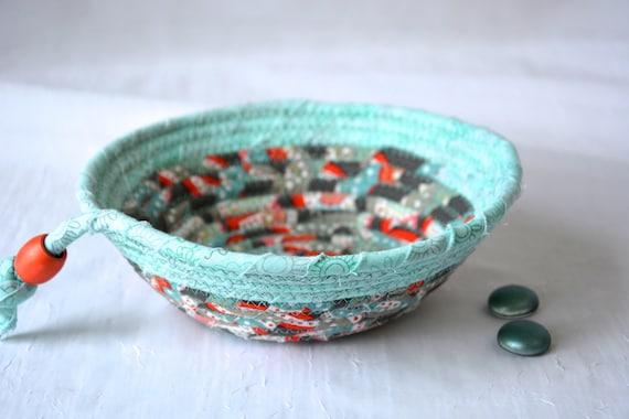 Mint Green Bowl, Cute Picnic Basket, Handmade Key Holder, Hand Coiled Rope Basket, Beach Decor Basket, Lovely Fabric Basket