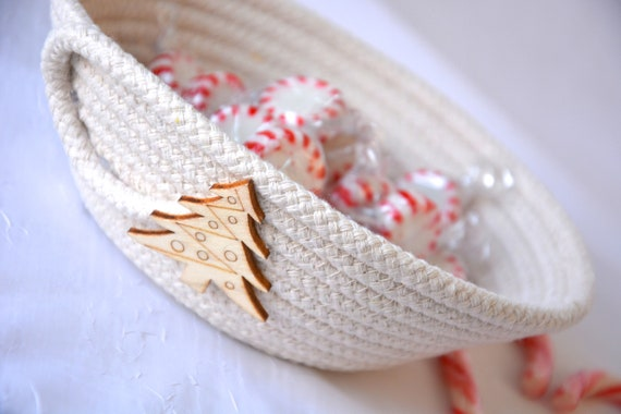 Christmas Candy Dish, Handmade Holiday Basket, Country Ring Dresser Tray, Neutrals Christmas Farmhouse Decoration, clothesline rope basket