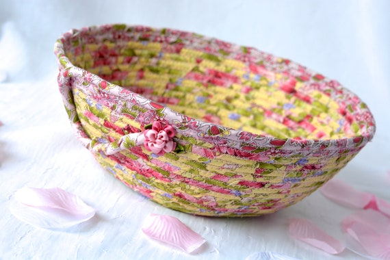 Rose Garden Basket, Handmade Pink Bowl, Floral Bath Basket, English Roses Bowl, Shabby Chic Home Decor, Pink coiled fabric basket