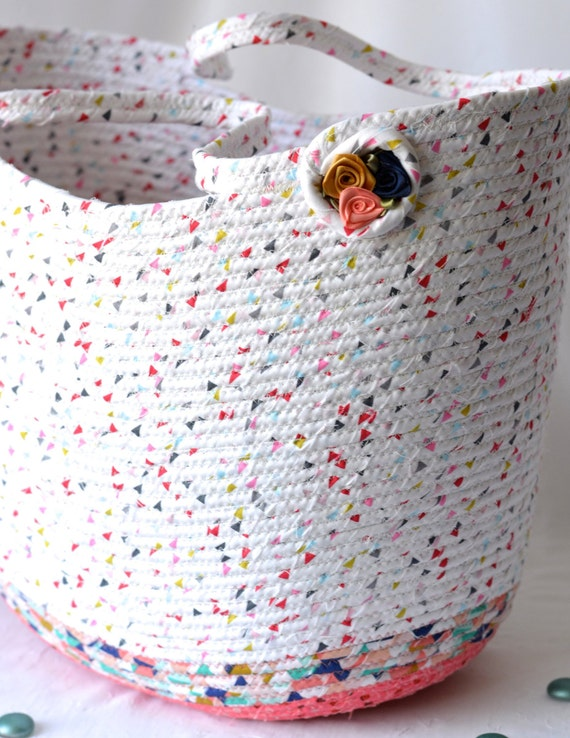 Coral Picnic Tote Bag, Handmade Moses Basket, Lovely Storage Organizer, Quilted Handled Bag Purse, Spring Gift Basket, Coiled Rope Bin