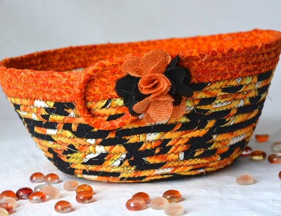 Halloween Candy Bucket, Handmade Fall Quilted Basket, Decorative Black and Pumpkin Orange Basket, Napkin Basket, Halloween Decoration