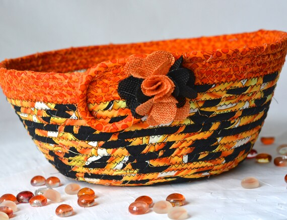 Halloween Decoration, Handmade Fall Quilted Basket, Decorative Black and Pumpkin Orange Basket, Napkin Basket, Halloween Candy Bucket