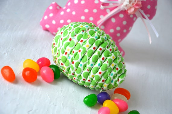 Maraca Easter Egg, Handmade Easter Egg Bowl Filler, Easter Egg Hunt Shaker, Percussion Musical Easter Egg, Green Easter Decoration