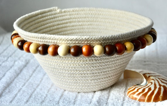 Clothesline Rope Basket, Handmade Quilted Basket, Beige Country Fruit Bowl, Bread Bowl, Rustic Wood Bead Decor, Mail Holder