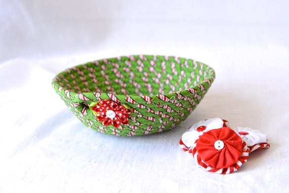 Christmas Decoration, Holiday Candy Dish, Handmade Christmas Basket, Holiday Decoration, Quilted Rope Bowl, Coiled Art Basket