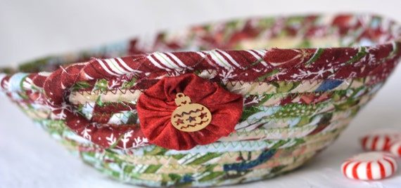 Christmas Country Decoration, Holiday Candy Dish, Handmade Christmas Potpourri Basket, Cute Quilted Basket, Stocking Stuffer