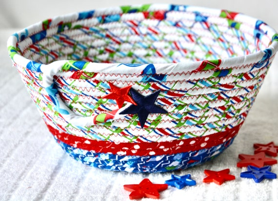 Cute Picnic Basket, Picnic Table Bowl, Fun Napkin Holder, Handmade Red White and Blue Party Bowl, Chip Bowl, BBQ Cookout Decor