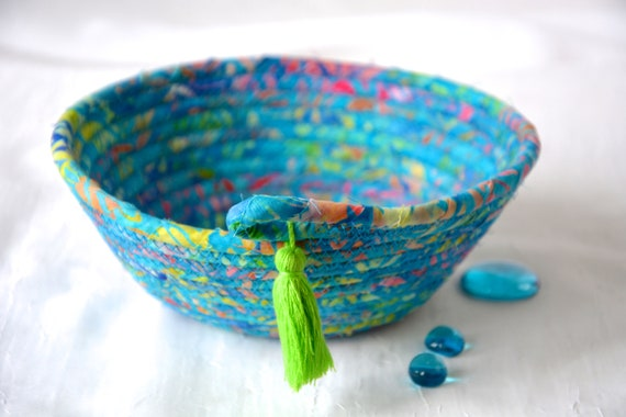 Blue Party Basket, Handmade Ring Dish Tray, Boho Key Catchall Bowl, Jewelry Catcher, Colorful Fiber Bowl, Artisan Coiled Bowl