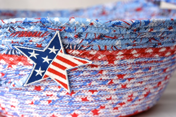 Patriotic Bowl Decoration, 4th of July Home Decor, Veteran Party Basket, Handmade Red White and Blue Party Bowl, Chip Bowl, BBQ Party Decor
