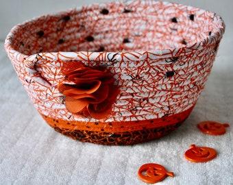Halloween Candy Bowl, Decorative Spider Basket, Handmade Spider Web Bowl, Fall Napkin Basket, Mail Bin, Key Holder, Fruit Bowl