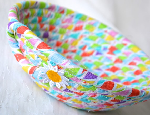 Sweet Spring Bowl, Ring Dish, Cute Change Bowl, Gift for Her Mom, Handmade Key Basket, Desk Accessory Basket, Paperclip Holder