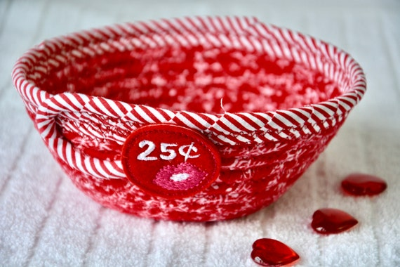 Valentine's Day Candy Dish, Cute Kisses Bowl, Handmade Heart Kisses Basket, Red Party Favor, Valentine Decoration, Key Holder, Ring Basket