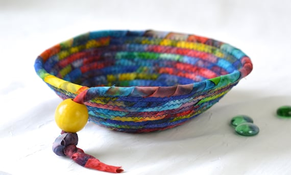 Country Home Decor Basket, Handmade Ring Dish Tray, Rustic Key Catchall Bowl, Jewelry Catcher, Colorful Fiber Bowl, Artisan Coiled Bowl