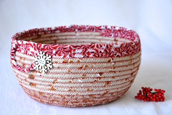 Gingerbread Holiday Decoration, Handmade Christmas Decorative Bowl, Gingerbread Man Fabric Bowl,  Holiday Card Basket, Artisan Quilted