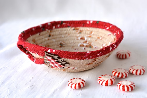 Holiday Candy Dish, Christmas Decoration, Gingerbread Decor, Handmade Christmas Potpourri Basket, Cute Quilted Basket, Ring Key Dish