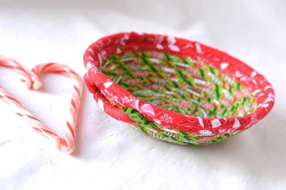 Rope Coiled Basket, Christmas Decoration, Holiday Candy Dish, Handmade Christmas Potpourri Basket, Cute Quilted Basket, Textile Art Bowl,