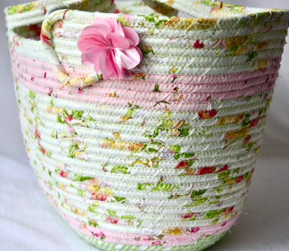 Spring Picnic Basket, Sweet Green Tote Bag, Shabby Chic Floral Basket, Beach Bag, Handmade Handbag, Bathroom Paper Holder