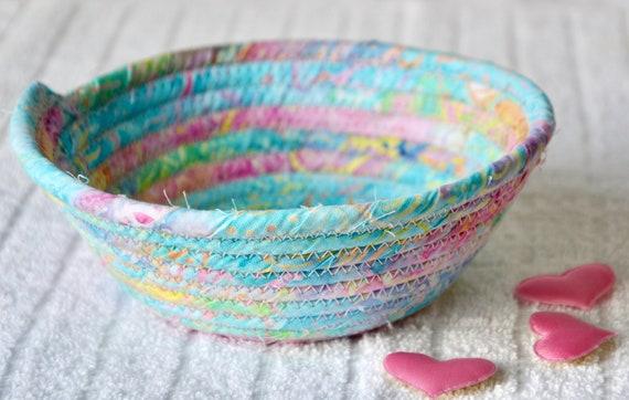 Pastel Candy Dish, 1 Handmade Batik Fabric Bowl, Pink Key Dish, Ring Tray, Quilted Cotton Basket, Potpourri Holder, Change Bowl
