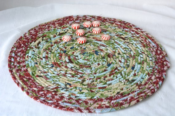 "Country Christmas Trivet, 1 Handmade Place Mat, 14"" Quilted Potholder, Table Topper, Christmas Holiday Table Runner, Holiday Trivet"