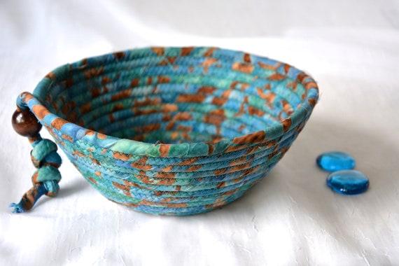 Country Fabric Basket, Handmade Blue Key  Bowl, Blue Batik Wallet Holder, Quilted Rope Basket, Boho Chic Fabric Bowl, Coin Change Bowl