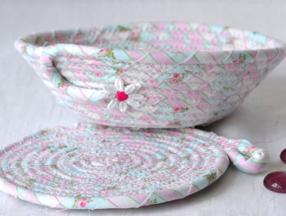 Shabby Chic Basket and Coaster, Handmade Rose Garden Bowl and Mug Rug Set, Pink Quilted Candy Dish, Cute Desk Accessory Basket and Coaster