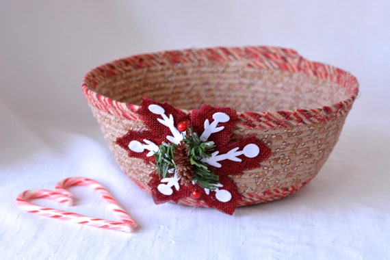 Country Holiday Decoration, Handmade Christmas Decorative Bowl, Christmas Fabric Bowl,  Holiday Card Basket, Artisan Quilted