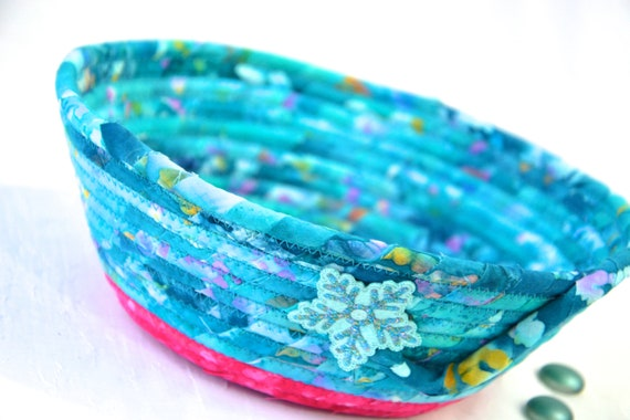 Aqua Snowflake Bowl, Blue Home Decor, Handmade Batik Basket, Decorative Rope Basket, Catchall, Yarn Bowl, Napkin Holder, Key Bowl