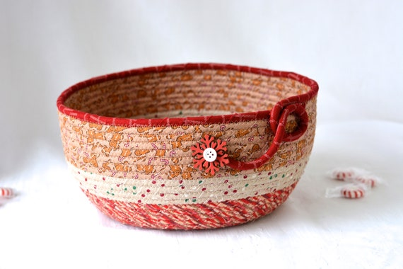 Country Holiday Decoration, Handmade Gingerbread Decorative Bowl, Christmas Fabric Bowl,  Holiday Card Basket, Artisan Quilted