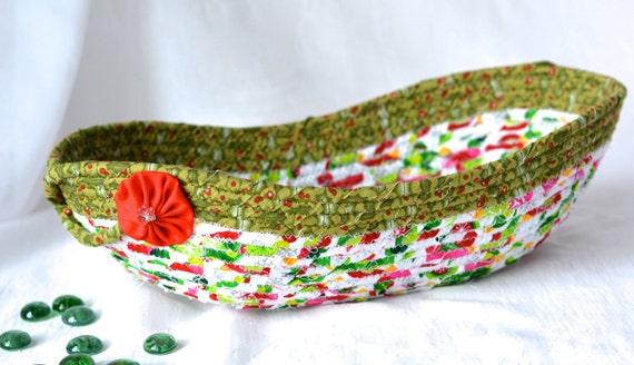 Christmas Decoration, Holiday Quilted Basket, Handmade Card Basket, Decorative Artisan Bowl, Homemade Christmas Bread Basket