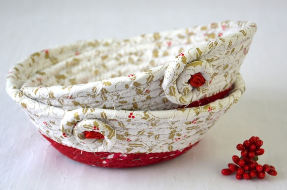 Holly Candy Dishes, 2 Baskets, Handmade Christmas Decoration, Potpourri Holder Bowls, Red and White Decor Baskets, Holiday Ring Dish Tray