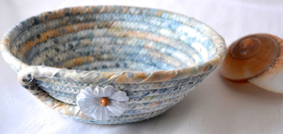 Sandy Country Basket, Handmade Blue Artisan Bowl, Candy Dish, Quilted Cotton Basket, Cottage Chic Fabric Bowl, Key Change Bowl