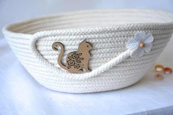 Cat Toy Bowl, Handmade Rope Basket, Country Clothesline Basket, Phone Holder, Rustic Yarn Bowl,  hand coiled country basket