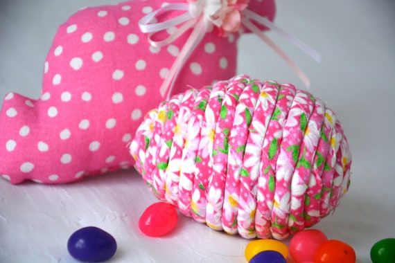 Easter Egg Ornament, Handmade Pink Daisy Easter Egg Decoration, Pretty Bowl Filler, Fun Easter Egg Hunt, Hand Coiled Fiber Easter Egg