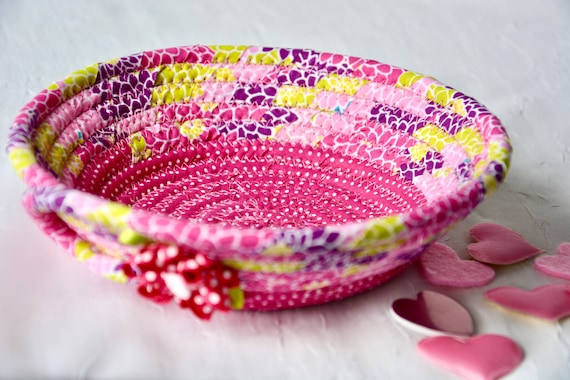 Valentine's Day Candy Dish, Pink Key Holder, Handmade Magenta Basket, Quilted Ring Tray, Cute Potpourri Dish, Hair Tie Bowl,  Catchall